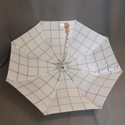 Regenschirm, weiß karriert
