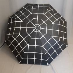 Regenschirm, schwarz karriert
